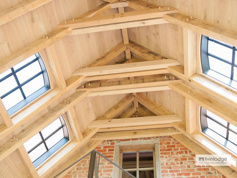 Klassieke eiken terrasoverkapping te Waasland   Houten bijgebouwen op maat