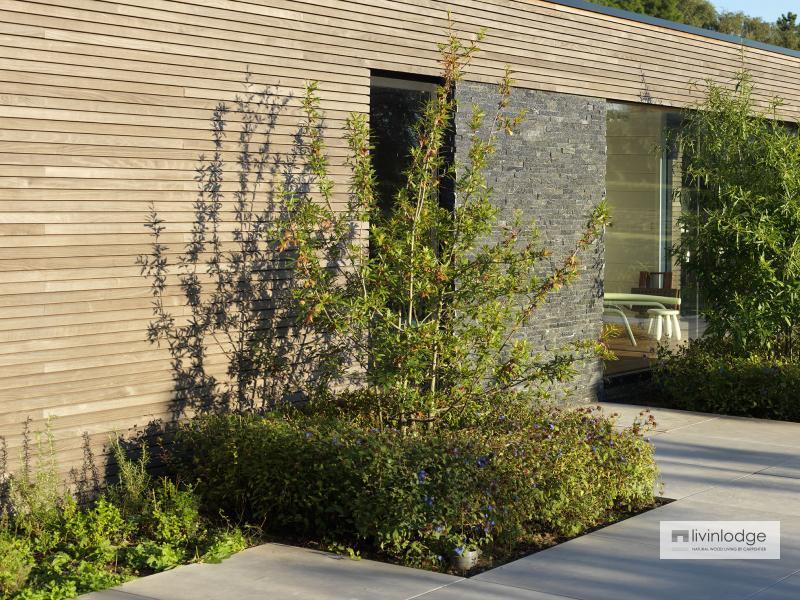 Polyvalente houten poolhouse met tuinberging te Waregem   Houten bijgebouwen op maat