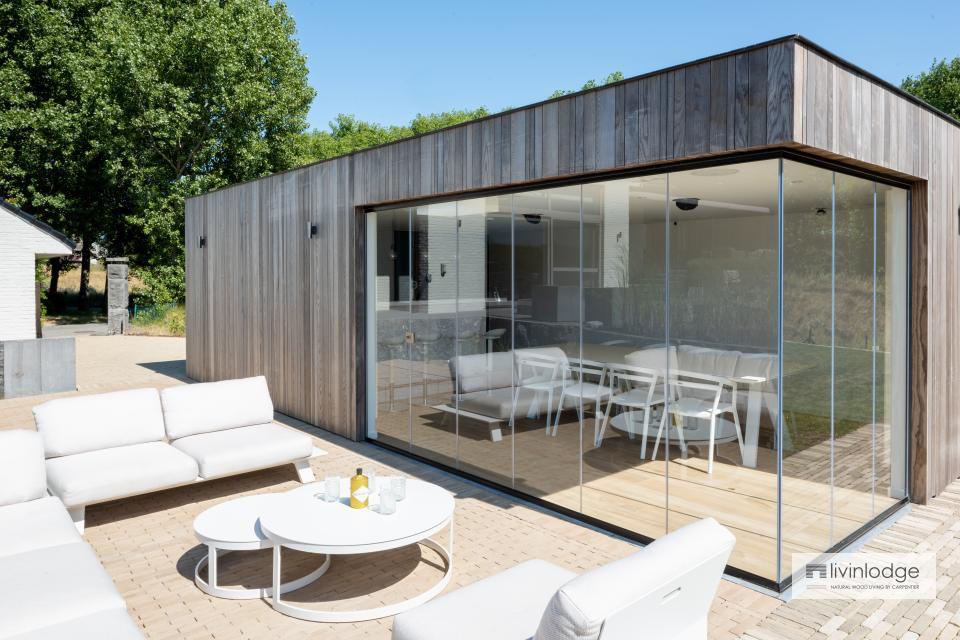 Modernes Poolhaus in Oostduinkerke