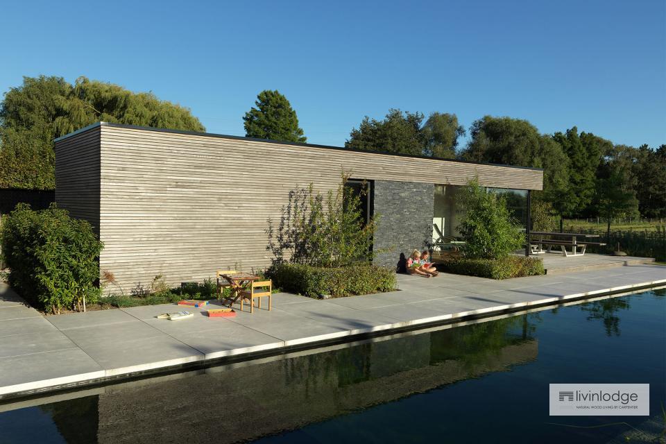 Polyvalente moderne poolhouse met tuinberging te Waregem