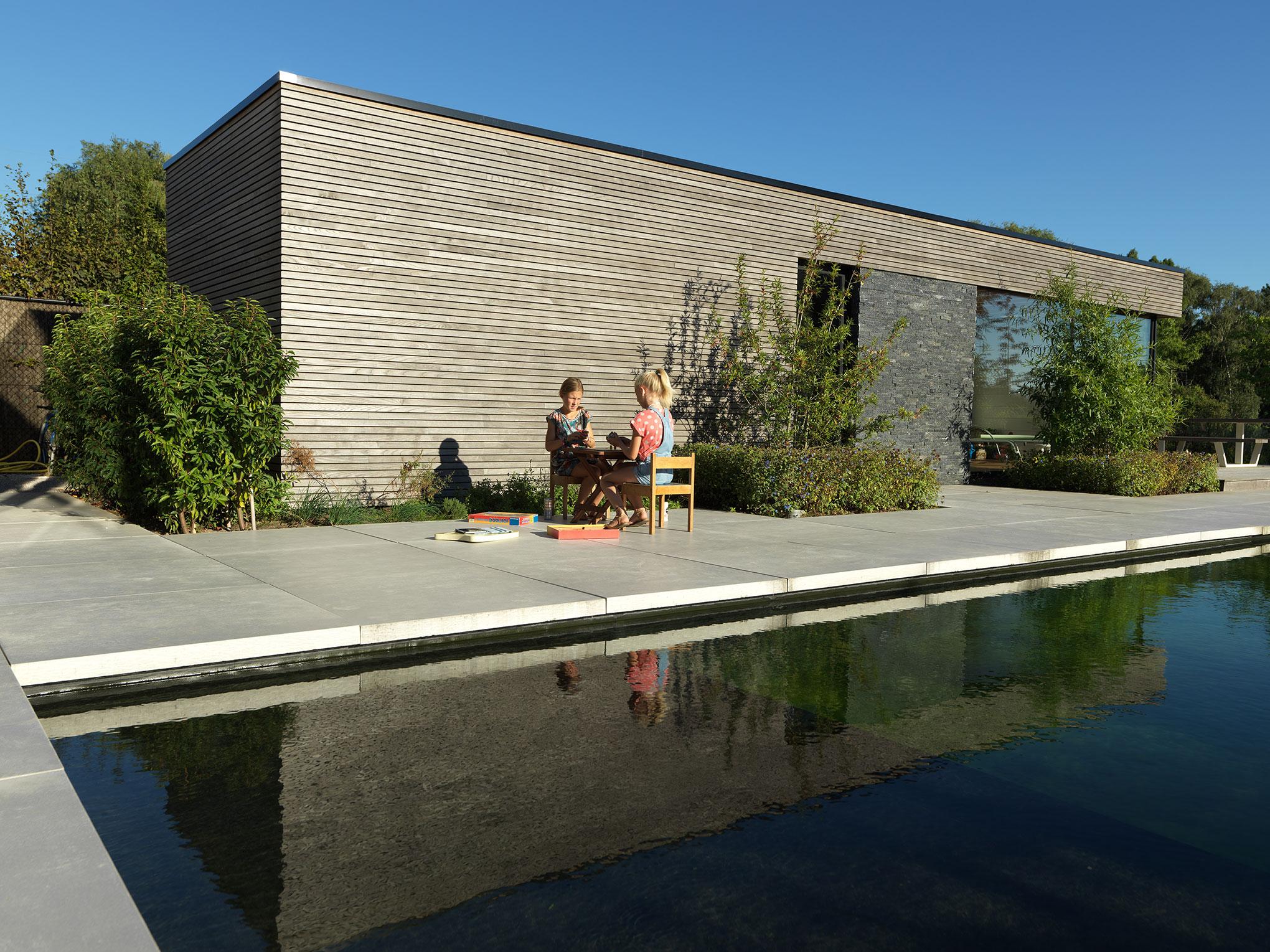Multifunktionales Modernes Poolhaus Mit Gartenhaus In Waregem